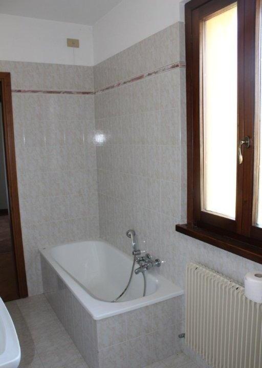 27 bagno primo piano 1